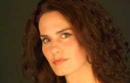 Anousschka Lara, Spanish Soprano – 2003 Veronica Dunne International Singing Competition (VDISC) in Dublin, Ireland
